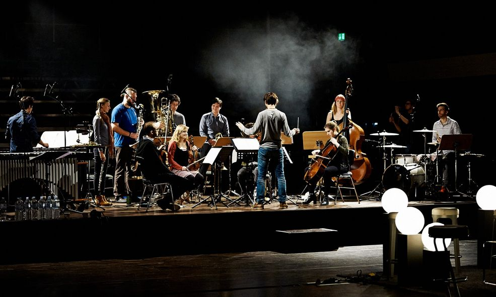 KD SCHMID Special Project Orchester im Treppenhaus